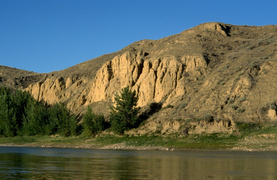 A view of the cliffs from a canoe on the South Saskatchewan River